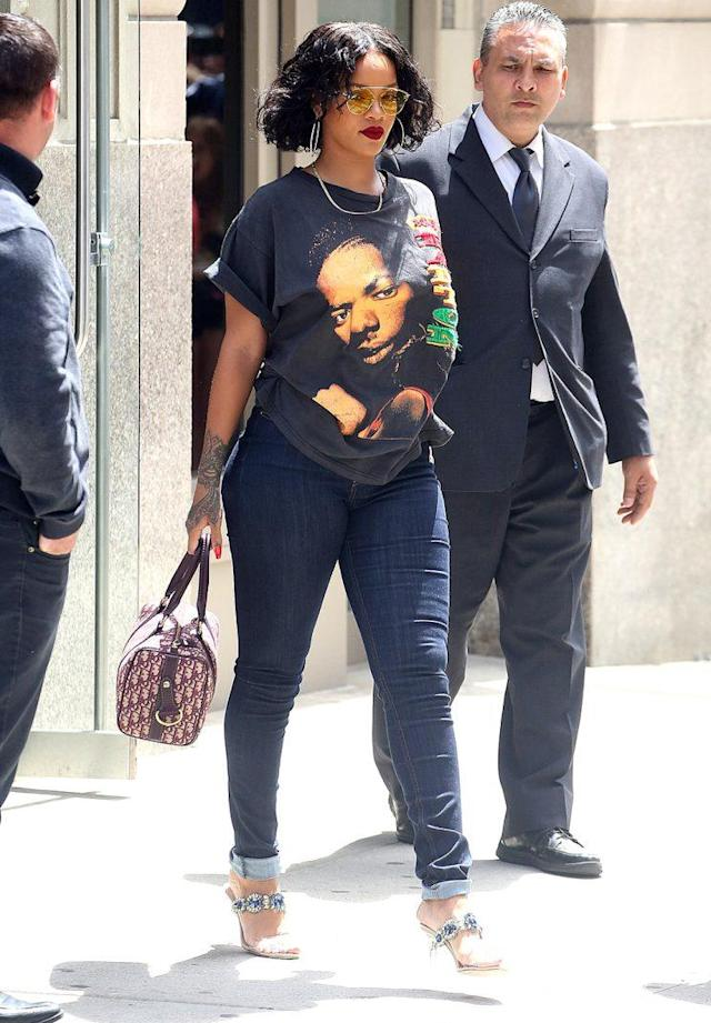 Rihanna showed off her curves in New York City on May 24. (Photo: BackGrid)