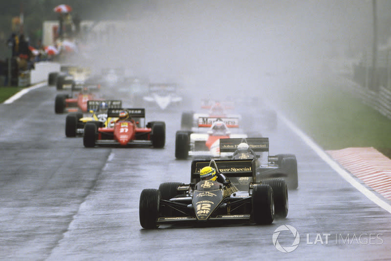 Ayrton Senna, Lotus 97T leads at the start