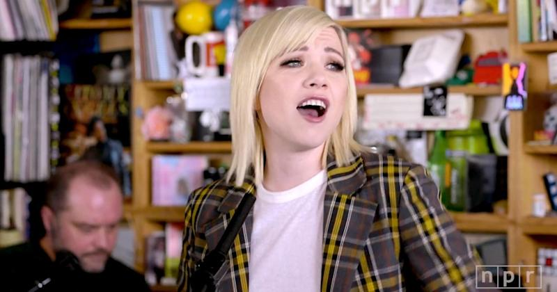 Carly Rae Jepsen becomes queen of NPR Tiny Desk concerts