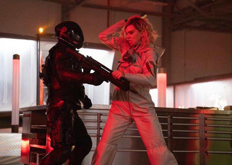 Hattie Shaw (Vanessa Kirby) tussles with a helmeted goon in