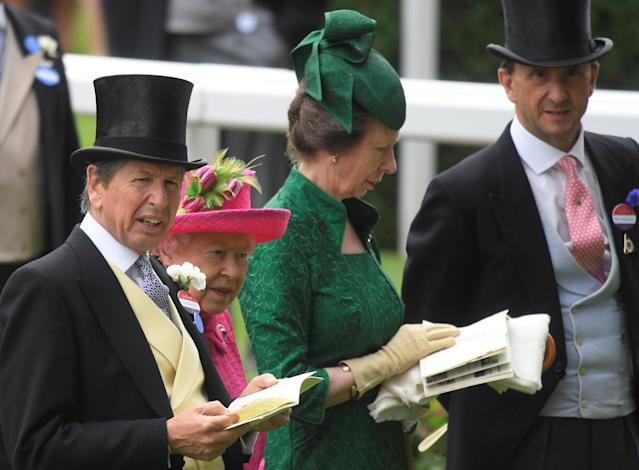 Horse Racing - Royal Ascot - Ascot Racecourse, Ascot, Britain - June 22, 2017 Britain's Queen Elizabeth and Racing Advisor John Warren during Ladies Day at Ascot REUTERS/Toby Melville