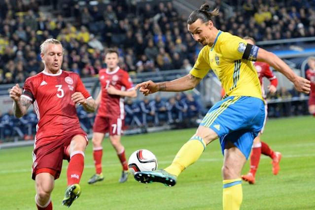 Kjaer (left) says throat-grab incident with Ibrahamivoc long forgotten (AFP Photo/JONATHAN NACKSTRAND)