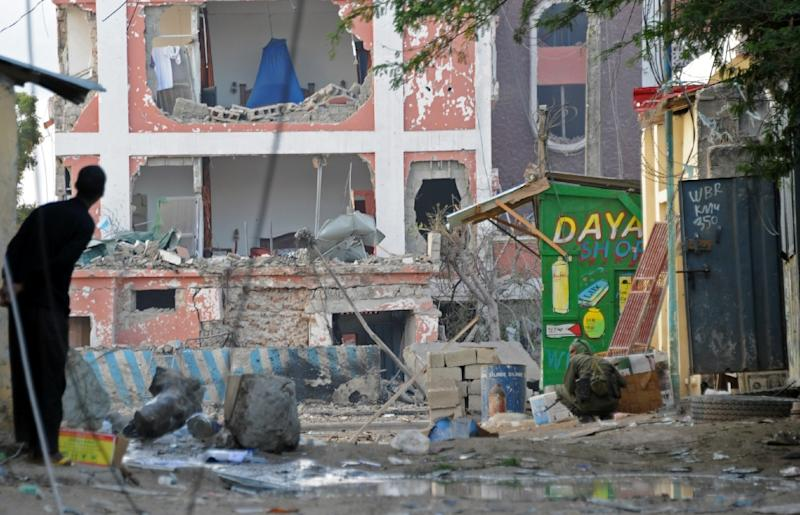 Damage to the Sahafi hotel in Mogadishu after an explosion on November 1, 2015 (AFP Photo/Mohamed Abdiwahab)