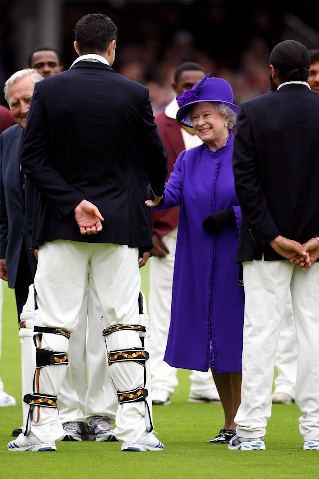 LONDON - MAY 17:  Queen Elizabeth II is introduced to England player Kevin Pietersen during the First Test on day one between England and the West Indies at Lord's Cricket Ground on May 17, 2007 in London, England.  (Photo by Tom Shaw/Getty Images)