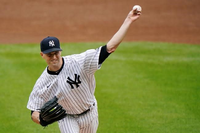Torres' pinch-double helps Yanks sweep O's; lead at 5 1/2 G