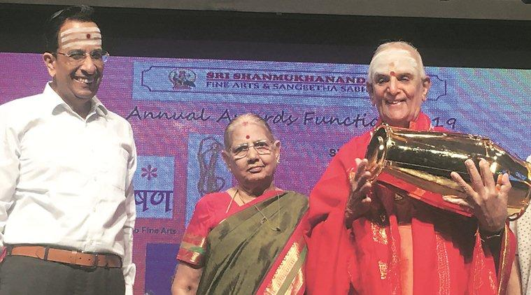 Padma Vibhushan Dr Umayalapuram K Sivaraman, Kalyanapuram R Aravamudachariar, 20th Sri Shanmukhananda National Eminence Award, Mrudangam maestro, mumbai city news