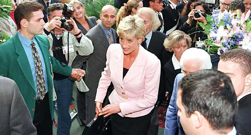 Princess Diana arrives at an event to be recognized for her charity work. (Photo: Julian Parker/UK Press via Getty Images)