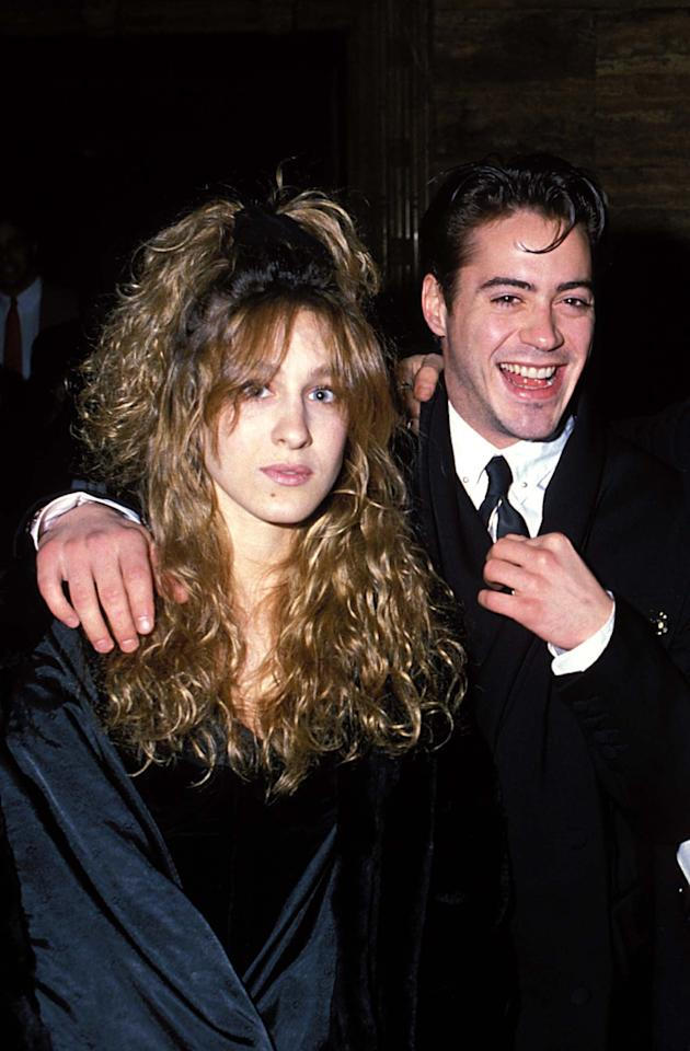 <p>Robert held on tight to a nearly unrecognizable SJP at a gala in LA.</p>
