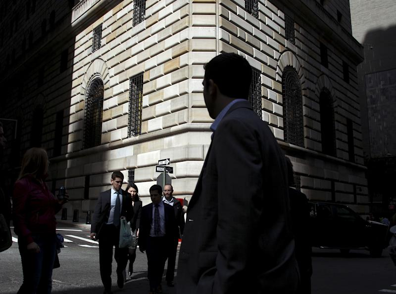 Fed minutes suggest new bond-buying plan is likely