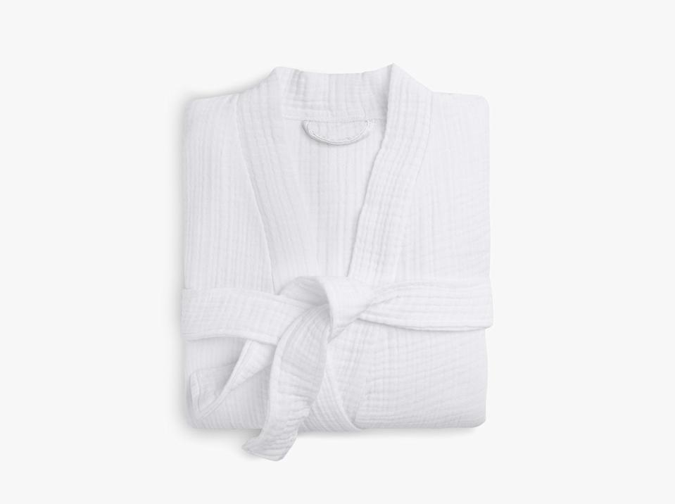 """<h3><a href=""""https://www.parachutehome.com/products/robe-cloud-cotton"""" rel=""""nofollow noopener"""" target=""""_blank"""" data-ylk=""""slk:Parachute Cloud Cotton Robe"""" class=""""link rapid-noclick-resp"""">Parachute Cloud Cotton Robe</a></h3><br>A top-rated combo material combo of two-ply gauze and premium 100% long-staple Turkish cotton make this relaxed-fit bathrobe feel lightweight but still luxurious — oh, and we're loving the soft blush hue. <br><br>Reviews start at, """"I first purchased this robe for myself in the pink I loved it so much, I got a second one for my mother for her birthday and she loves it too. The robe is soft and the colors are so beautiful!"""" and don't end with, """"So soft. First of all, I'm the owner of many Parachute products, and probably keep on adding more. I love this robe, it's So soft! I'm writing a review as I'm lounging in it with my morning cup of joe."""" <br><br><strong>Parachute</strong> Cloud Cotton Robe, $, available at <a href=""""https://go.skimresources.com/?id=30283X879131&url=https%3A%2F%2Fwww.parachutehome.com%2Fproducts%2Frobe-cloud-cotton"""" rel=""""nofollow noopener"""" target=""""_blank"""" data-ylk=""""slk:Parachute"""" class=""""link rapid-noclick-resp"""">Parachute</a>"""