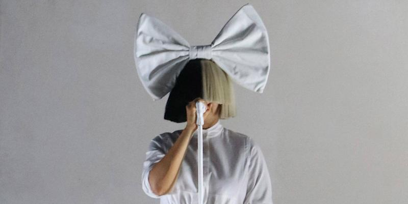 3ab8d825f07e Taylor Swift Fans Are Calling Out Sia For Allegedly Wearing Blackface