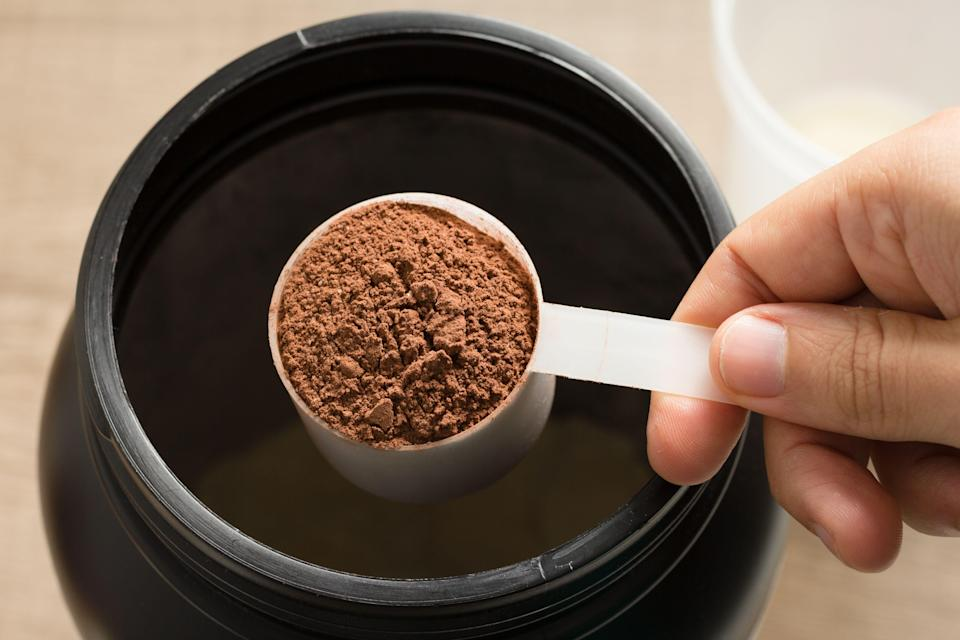 Pre-workout powders shouldn't be consumed neat. (Photo: Gabriel Vergani via Getty Images/EyeEm)