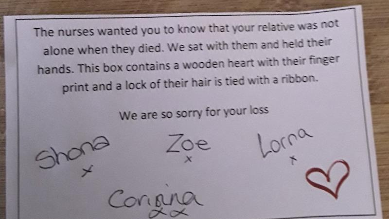 Relative finds note from nurses after collecting mother's belongings