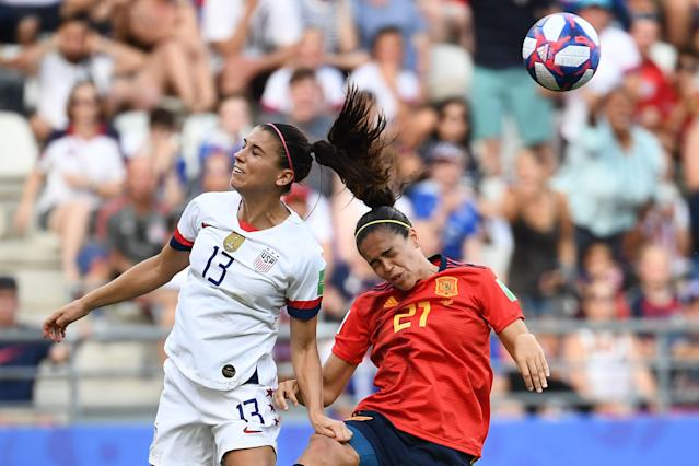 United States' forward Alex Morgan (L) vies with Spain's midfielder Andrea Sanchez Falcon during the France 2019 Women's World Cup round of sixteen football match between Spain and USA, on June 24, 2019, at the Auguste-Delaune stadium in Reims, northern France. (Photo by FRANCK FIFE / AFP) (Photo credit should read FRANCK FIFE/AFP/Getty Images)