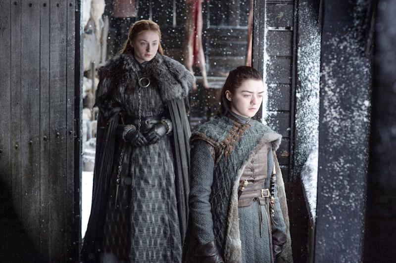 """Sophie Turner (left) and Maisie Williams played the sisters Sansa and Arya Stark """"Game of Thrones"""". (Photo: ddp)"""