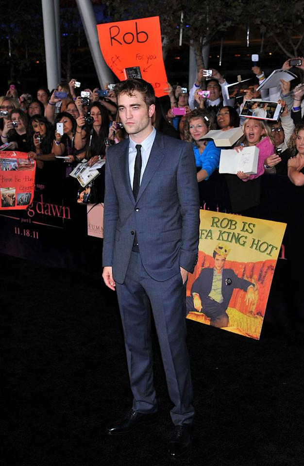"Robert Pattinson arrives at the red carpet premiere for ""The Twilight Saga: Breaking Dawn – Part 1"" in Los Angeles, CA. (Photo by Vince Bucci/Yahoo!)"