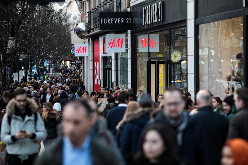 Shoppers make their way along Oxford Street on December 20, 2018 in London, England. Figures released by the Office of National Statistics today show that retail sales in November increased by 1.4% despite gloomy predictions. This increase from October is attributed to Black Friday Sales encouraging higher sales of non-food items. (Photo by Jack Taylor/Getty Images)