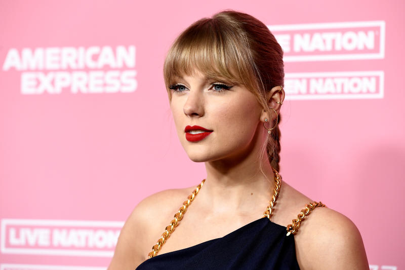 Taylor Swift talks about her decision to get political and how she's dealing with her mother's health. (Photo: Getty Images)