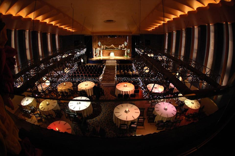A Dinner Theater Before the Guests Arrive Cost of a Big Date