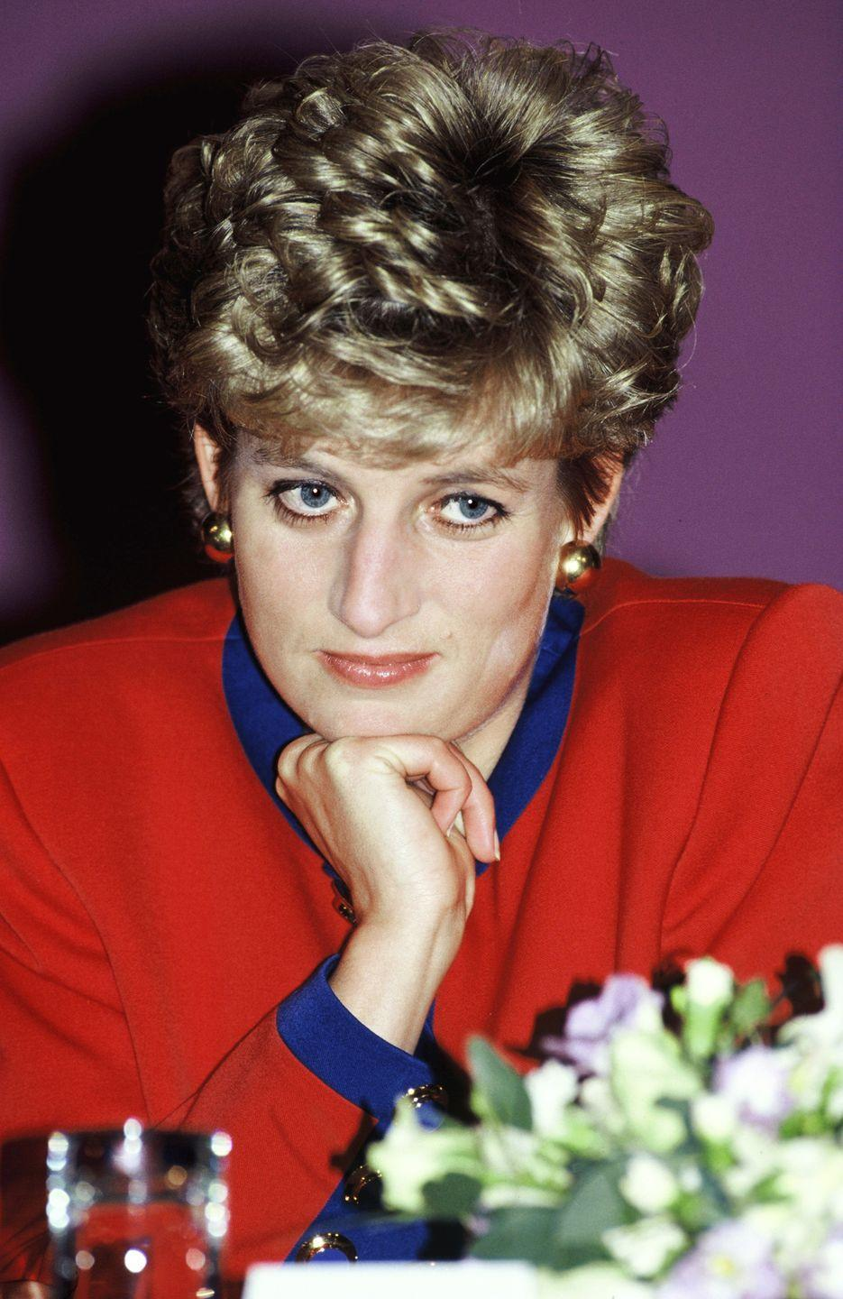 <p>Princess Diana was known to buck royal protocol. One way she did that? Taking her sons to McDonald's for burgers. Here, she's pictured at a McDonald's charity lunch held in London. <br></p>