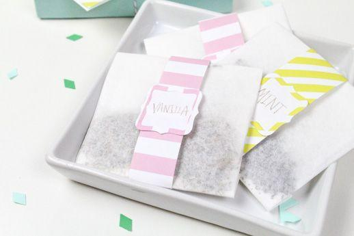 "<p>What mom really wants? A minute to relax. Help her out with these cute, DIY bath sachets (and a promise not to bother her when she's using them).</p><p><em><a href=""https://sugarandcloth.com/diy-mothers-day-bath-sachet-gift-set/"" rel=""nofollow noopener"" target=""_blank"" data-ylk=""slk:Get the tutorial at Sugar and Cloth »"" class=""link rapid-noclick-resp"">Get the tutorial at Sugar and Cloth »</a></em></p>"