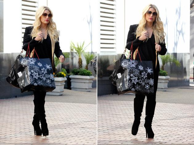 After being pregnant for what seemed like seven years, Jessica Simpson vowed to lose her baby weight sensibly, becoming the face of Weight Watchers. She successfully revealed she had lost an incredible 50 lbs [Copyright Spash]