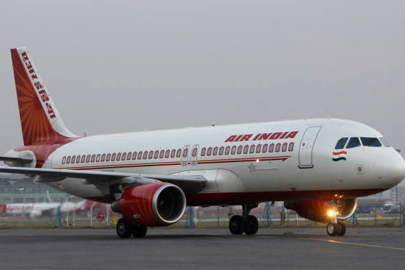 air india flight delayed for three hours afer pilot gets in fight