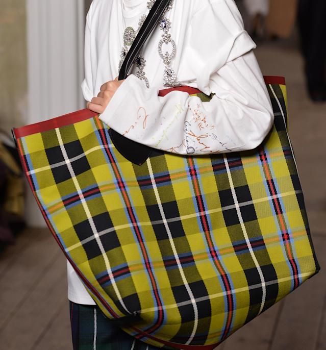 Colorful, oversize plaid tote bag from the September 2017 Burberry collection. (Photo: Getty Images)