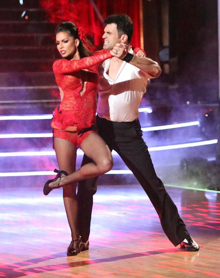 """Melissa Rycroft and Tony Dovolani perform on """"Dancing With the Stars: All-Stars."""""""