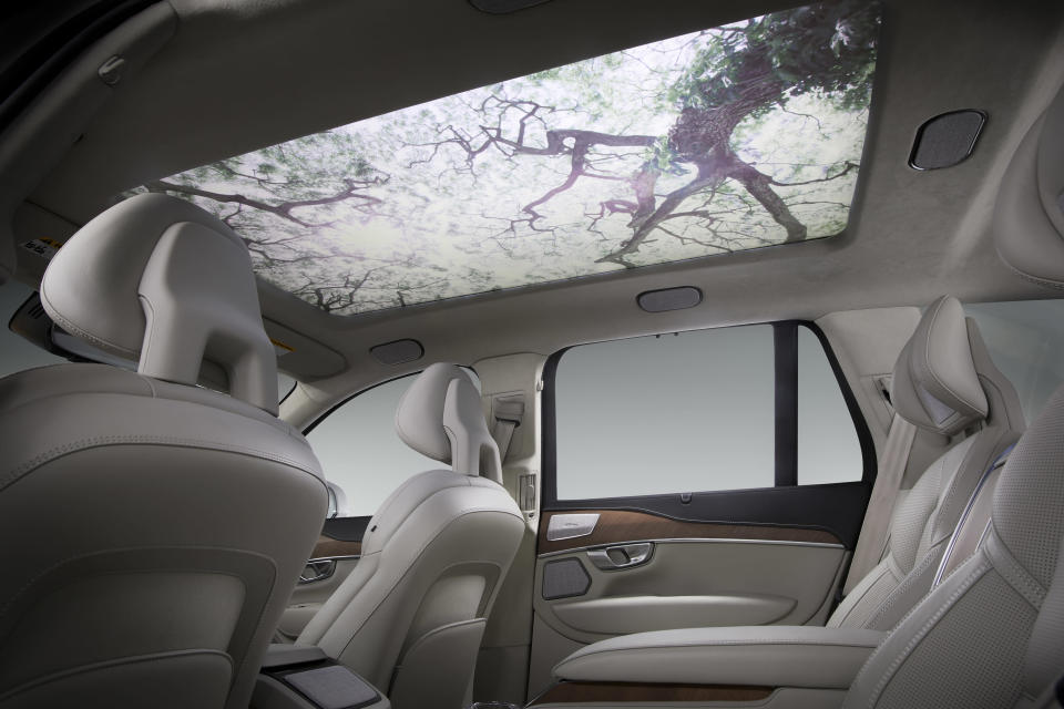 As part of Moodscape, a QLED screen replaces the traditional sun roof in a car and displays different landscapes. Source: Harman Kardon