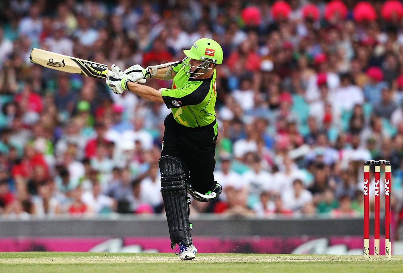SYDNEY, AUSTRALIA - DECEMBER 08: Chris Rogers of the Thunder bats during the Big Bash League match between the Sydney Sixers and the Sydney Thunder at Sydney Cricket Ground on December 8, 2012 in Sydney, Australia.  (Photo by Mark Nolan/Getty Images)