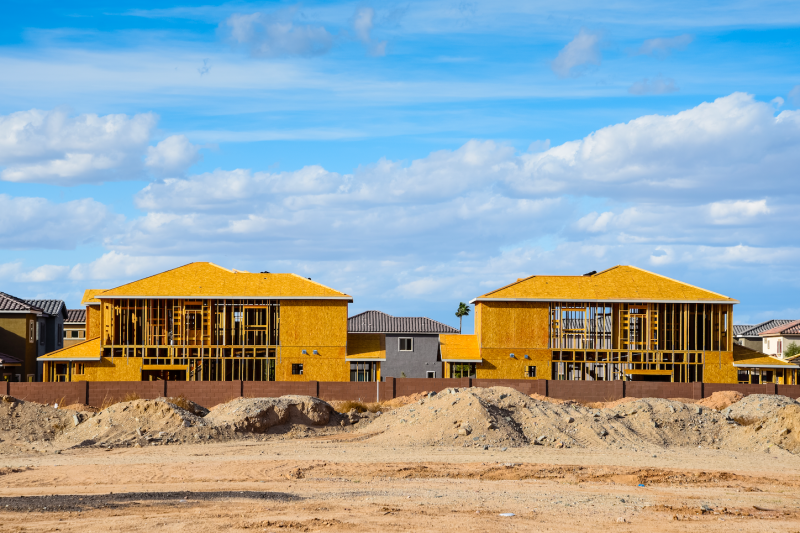 New homes being built in Phoenix, AZ. (Getty)