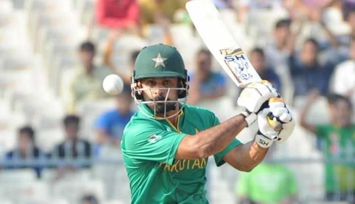 Hafeez, Shehzad shine as Pakistan post 308 in first ODI against WIndies