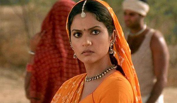 To say Gracy had a dream debut, would be an understatement. Starring opposite 'perfectionist' Aamir Khan, Gracy made her grand debut with a period drama set against the backdrop of colonial India. <em>Lagaan, </em>an Aamir Khan home production, was not only among the top grossing films of 2001, but also a fine specimen of cinematic genius that received critical appreciation from critics in India and abroad. Gracy was given a very special opportunity which even star-kids dream to book.