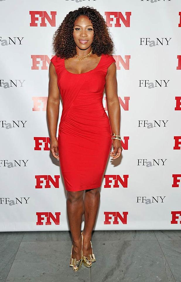 Pro tennis player Serena Williams also rocked red -- and her fab figure -- at the same event, donning a figure-hugging frock and gold peep-toes. All that tennis does a body good!(11/29/2011)