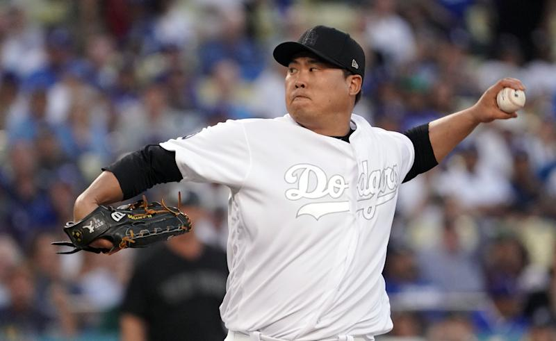 LOS ANGELES, CA - AUGUST 23: Los Angeles Dodgers starting pitcher Hyun-Jin Ryu (99) pitches to the Yankees at Dodger Stadium in Los Angeles on Friday, Aug. 23, 2019. (Photo by Scott Varley/MediaNews Group/Torrance Daily Breeze via Getty Images)