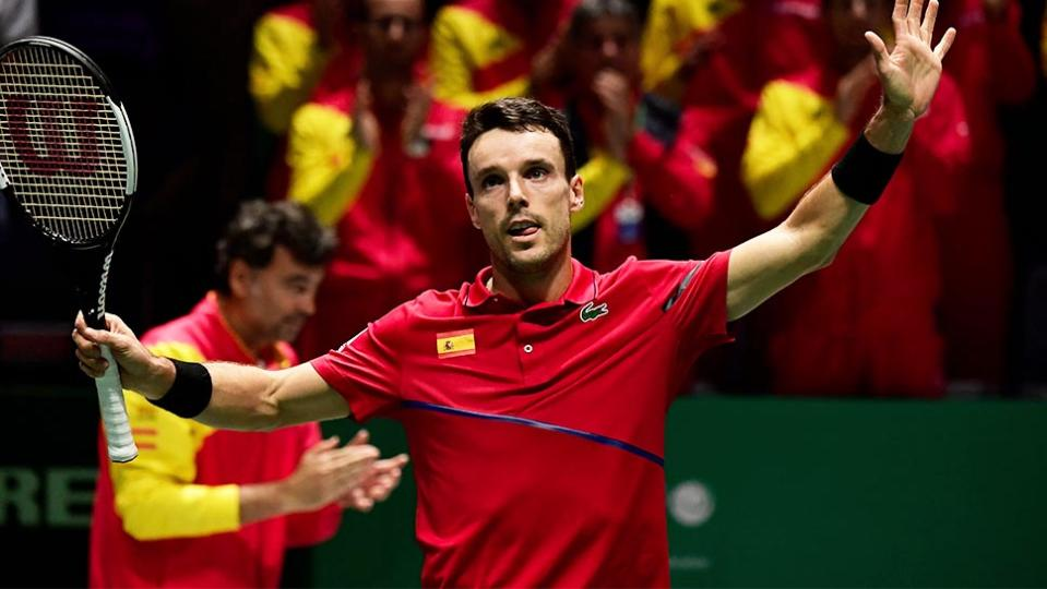 Roberto Bautista Agut thanking the crowd after his Davis Cup tie.