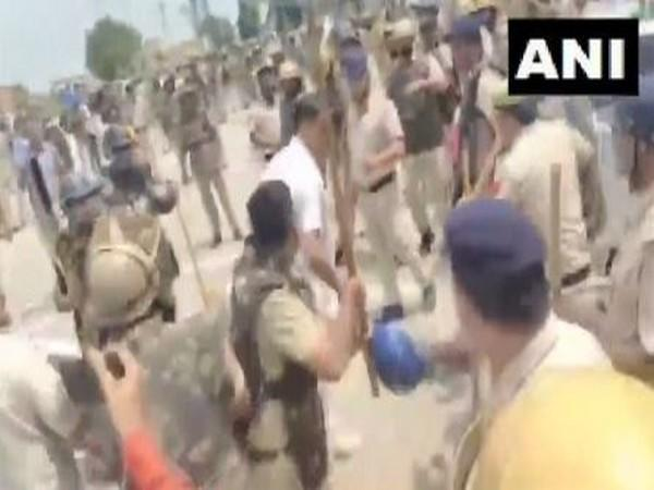 Farmers lathicharged in Karnal (Photo/ANI)