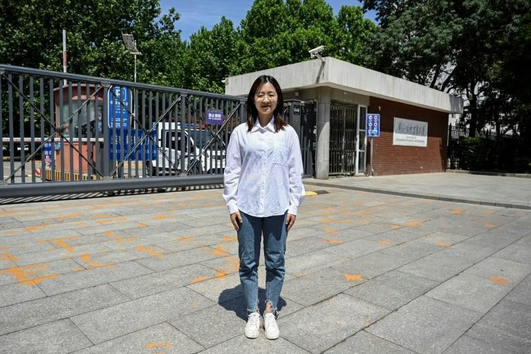 Student Yang Guang is studying finance in Beijing butplans to return to her mountainous home province of Sichuan with her boyfriend after graduating and work in a bank