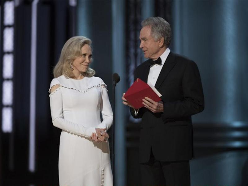 Faye Dunaway and Warren Beatty... with the wrong envelope at the Oscars (Getty)