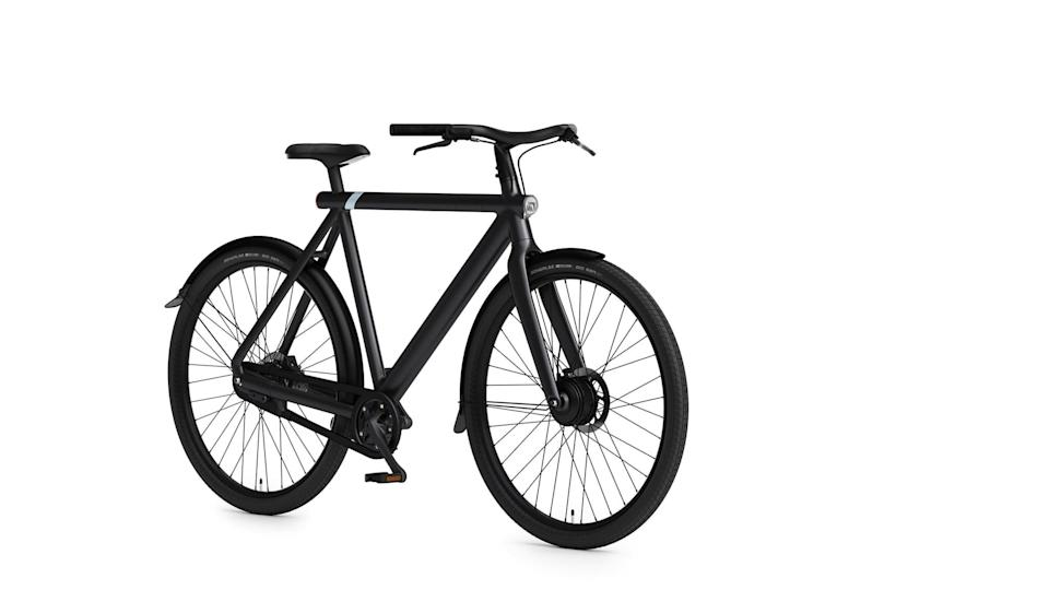 <p>The <span>VanMoof S3</span> ($1,998) is a superior electric bike. It has an intelligent motor, an automated gear shifter, and even comes with theft protection, because everyone's going to want this.</p>
