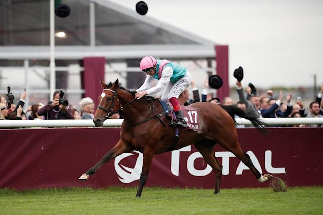 Horse Racing - Qatar Prix de l'Arc de Triomphe - Chantilly Racecourse, France - October 1, 2017 Frankie Dettori on Enable wins the Qatar Prix de l'Arc de Triomphe (Group 1) REUTERS/Benoit Tessier