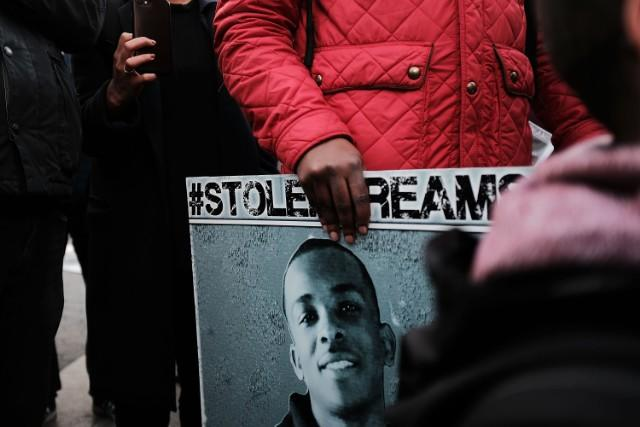 Sacramento Officers Involved In Stephon Clark's Death Reportedly Muted Body Cam Microphones