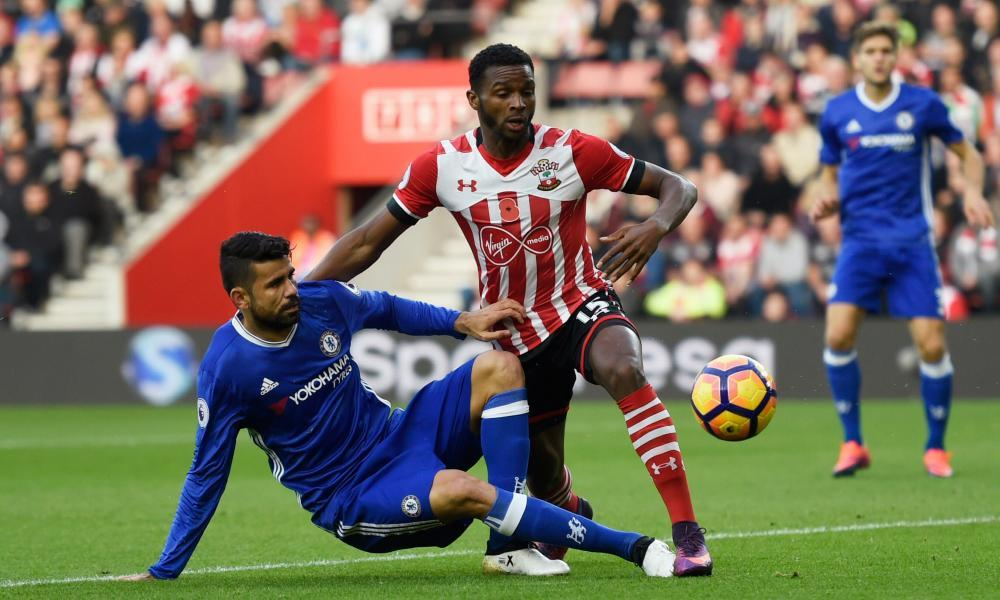 Everton in talks with Cuco Martina over signing Southampton defender