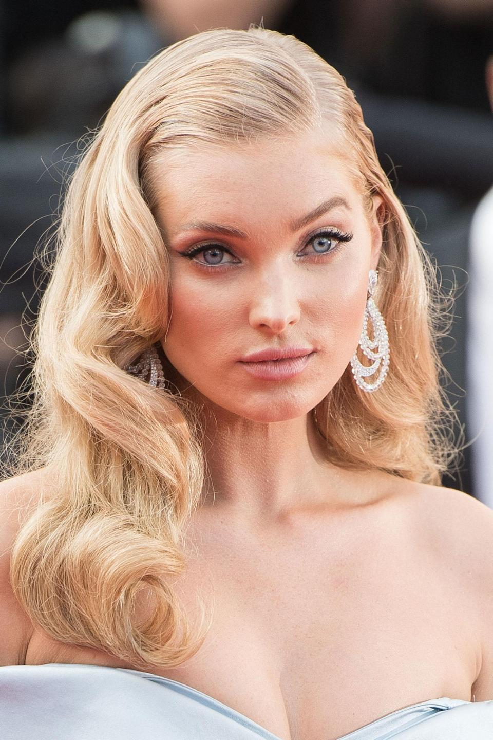 <p>The Victoria's Secret Angel played the princess at <em>The Beguiled</em> premiere with screen siren hair and doe-eyed make-up.</p>