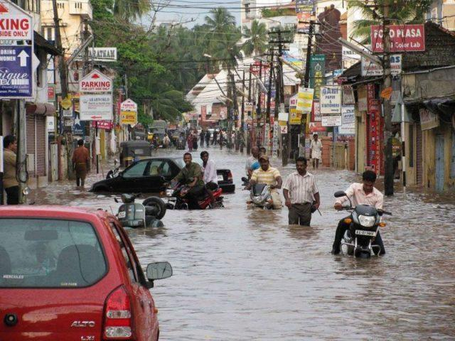 The roads flooded with water in Kerala