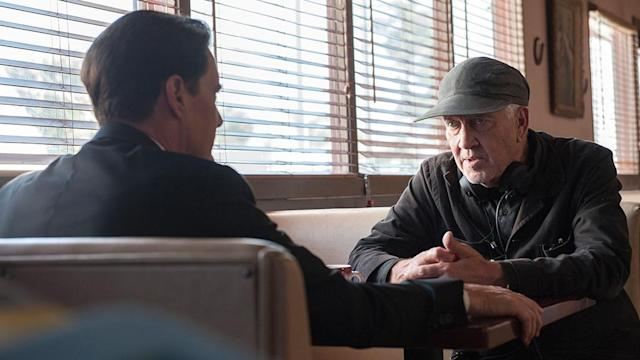 <p>Lynch chats with Kyle MacLachlan.<br>(Photo: Showtime/Paramount/CBS Home Entertainment) </p>