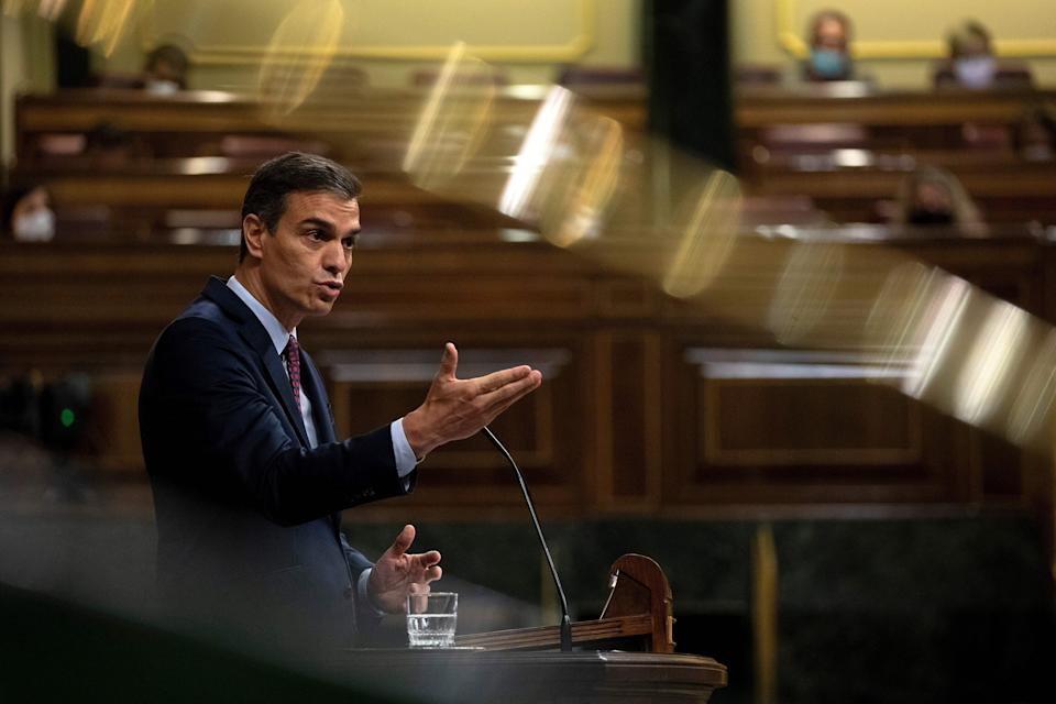Spain's Prime Minister Pedro Sanchez addresses a parliamentary session in Madrid on October 22, 2020. - Spanish far-right party Vox is presenting a no-confidence motion in parliament against the Spanish premier. (Photo by Pablo Blazquez / various sources / AFP) (Photo by PABLO BLAZQUEZ/AFP via Getty Images) (Photo: PABLO BLAZQUEZ via Getty Images)