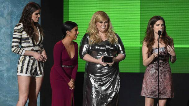 PHOTO: (L-R) Actresses Hailee Steinfeld, Chrissie Fit, Rebel Wilson and Anna Kendrick accept Top Soundtrack award for 'Pitch Perfect 2' onstage during the 2015 American Music Awards at Microsoft Theater, Nov. 22, 2015 in Los Angeles. (Kevin Winter/Getty Images)