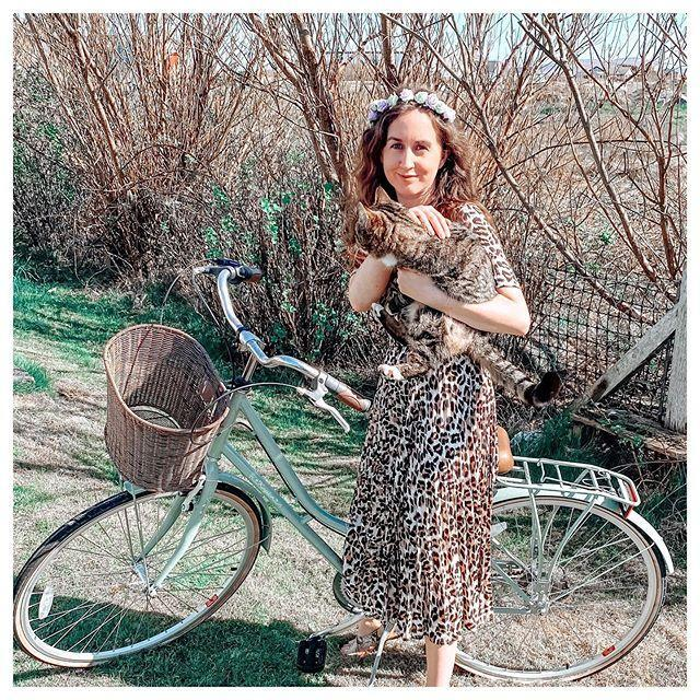 "<p>Some more Carole inspiration! If you can't bring your bike, make sure you're wearing one of the <a href=""https://www.amazon.com/AUSELILY-Dresses-Pockets-Spotted-Pattern/dp/B085VNMZB5/?tag=syn-yahoo-20&ascsubtag=%5Bartid%7C10055.g.33311235%5Bsrc%7Cyahoo-us"" rel=""nofollow noopener"" target=""_blank"" data-ylk=""slk:long, animal print dresses"" class=""link rapid-noclick-resp"">long, animal print dresses</a> that Carole loves to wear — and bring along your little kitty.</p><p><a href=""https://www.instagram.com/p/B_QEeoRh0ry/&hidecaption=true"" rel=""nofollow noopener"" target=""_blank"" data-ylk=""slk:See the original post on Instagram"" class=""link rapid-noclick-resp"">See the original post on Instagram</a></p>"